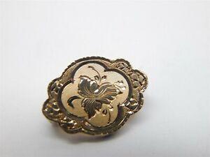 Vintage 10K Yellow Gold Diamond Cut Pin w/ Etched Floral Design - 1.6 Grams