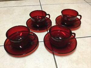 ARCOROC Ruby Red Cup and Saucer - Set of 4 - Made in France