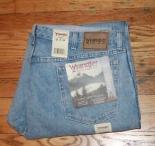 Wrangler Men's  Rugged Wear Rough Wash Classic Fit Jeans 40WX30L Tag says 42x30
