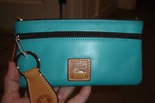 """DOONEY & BOURKE """"GREEN"""" LEATHER WALLET-WITH KEY CHAIN-NEW WITHOUT TAGS!"""