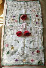 Antique Textile Red Green Crochet Doily Sewing Thimble Holder Collar 17x10