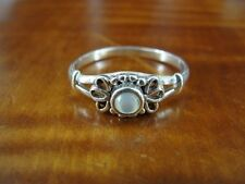 Sterling Silver 925 Ring Size 8 Su Rainbow Moonstone center Flower Design Band