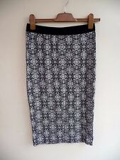 BNWOT GEORGE Black + White Floral Stretch Pencil Skirt Elast'd Waist  Size 12