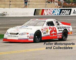 KEVIN HARVICK ROOKIE #29 CHEVY 2001 NASCAR 8X10 PHOTO WINSTON CUP GOODWRENCH