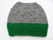 Gris/Vert - Tricoté à la Main - Taille Unique - Bonnet Bas Casquette