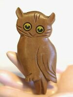 ADORABLE VINTAGE CARVED WOOD WISE OWL PIN BROOCH PAINTED BLACK & YELLOW EYES