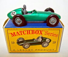 "Matchbox RW 19C Aston Martin Racing Car grünmetallic Nummer ""52"" in Box"