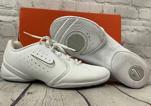 Nike Women's Sideline ll Insert Cheerleading Shoes White Size 6.5 Slightly Used