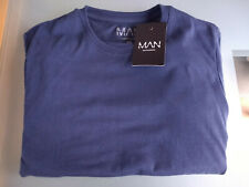 Boohoo MAN Muscle Fit Crew Neck Longline T Shirt in Navy Blue Medium New & tags