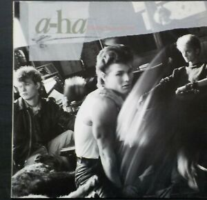 A HA HUNTING HIGH AND LOW LP 1985  EX