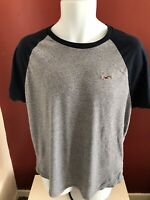 Hollister Raglan Style Short Sleeve Mens T Shirt Size L Good Condition