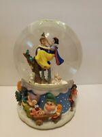 Disney Snow White Musical Snow Globe Plays We Wish You A Merry Christmas Enesco