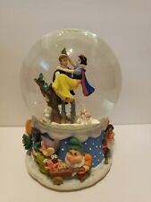 Disney Snow White Musical Snow Globe Plays We Wish You A Merry Christmas Enesco