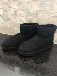 Women's UGG Classic Mini II Black Boots- size 8- #1016222