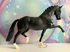 Breyer 1:9 Traditional Model Horse Totilas - Dressage Superstar