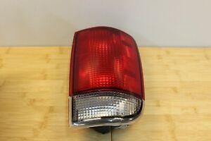 NEW GENUINE GM RIGHT PASSENGER TAIL LIGHT LAMP 95-05 Blazer -01 Jimmy 15113580