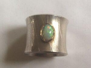 Ring mit Opal, Silber und Gold, Goldschmiedearbeit