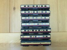 More details for an excellent rake of 7 bachmann porthole coaches