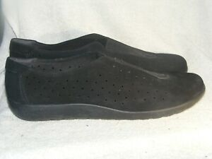 Women's Genuine Leather Shoes by Clarks Collection - Worn Once - Sz 11 W