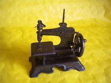 Vintage Toy sewing machine F.W.Muller No14 to restore