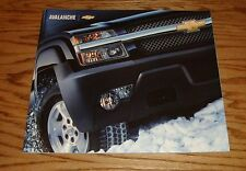 Original 2004 Chevrolet Avalanche Deluxe Sales Brochure 04 Chevy