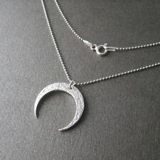 Collier pendentif croissant de lune martelé corne en argent 925/1000e C85