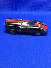 HOT WHEELS RED LINE 1968 Dark BROWN LOLA GT70 With Red Racing Stripe + Button