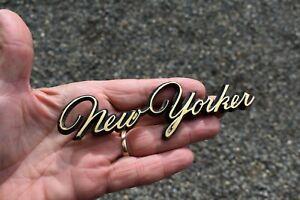 "1967 Chrysler "" NEW YORKER "" Emblem Nice Original 2783603"