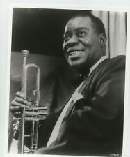 LOUIS ARMSTRONG 8X10 B&W PHOTO WITH TRUMPET JAZZ