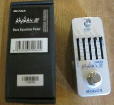 New Mooer Graphic B Bass Equalizer Pedal + Bonus Tin of Guitar Picks