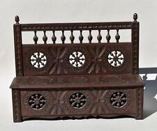 Meuble miniature breton - banc coffre en bois sculpté