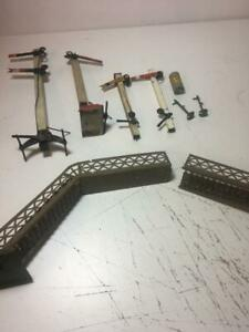 O Gauge Trains Hornby etc spare parts as shown soem are wood ??