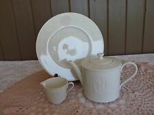 KPM Berlin 3pc White ARKADIA TEAPOT & CREAMER MILK JUG plus FREE DINNER PLATE