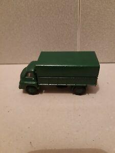 Dinky toys no 621 ( 3 ton army wagon) Bedford RL (1960-63).
