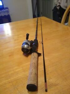 Zebco Authentic 11 Micro 5' Rod and Reel Spincast Fishing Combo Very Good Cond