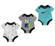ff6b1b4d5 Nike Air Max Baby Chicos Boys Set de 3 Bodysuits 6 Meses Gris Azul Blanco  Nuevo