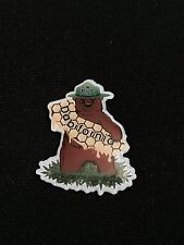 Dabifornia Krew Honey Bear hat pin 710 Honeycomb 420 weed leaf dab collectable