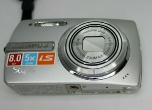 Olympus Stylus 840 8MP Digital Camera with 5x Optical Zoom Siver 2 Batteries