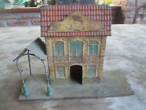 ANTIQUE FV FRENCH HAND PAINTED TIN TOY RAILWAY STATION c 1905