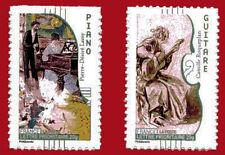 """Timbre autocollant """"le Piano et la Guitare"""", n° 393a et 399a, bord de feuille"""