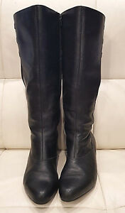 Very cool & comfortable Kumfs leather expandable calf flat boots - Size 36