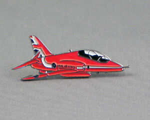 The Red Arrows 2015 Hawk Pin badge / Lapel Badge