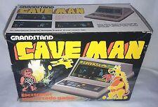 Década de 1980 tribuna Tomy Retro Table Top cavernícola LCD Juego en Caja Y Funcionando