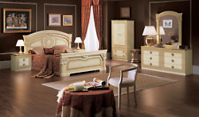 Aida Italian Bedroom Set in Ivory and Gold Finish - 5 Piece Queen Size