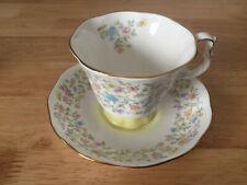 "Royal Albert English Bone China Harmony Series ""Arabesque"" Floral Pattern Teacup"