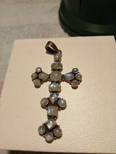 VINTAGE GOTHIC STYLE SOLID SLIVER MOOD STONE CROSS.