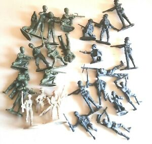 Bmc D Day 54mm plastic WWII figures used