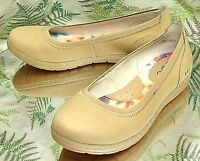 BORN BEIGE LEATHER LOAFERS MOCCASINS SLIP ONS COMFORT DRESS SHOES WOMENS SZ 6 M
