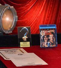 """ HOOK "" PROP CROCODILE on Stand & Plaque, Blu DVD, COA, ROBIN WILLIAMS"