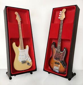 (Jimi Hendrix Experience) Jimi Hendrix & Noel Redding - Miniature Guitar Set